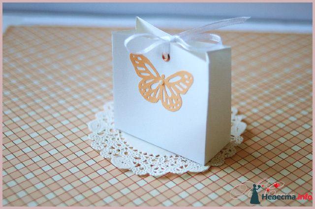 """Бонбоньерка """"Ажурная бабочка"""" - фото 110135 Ля Стиль - цветы и подарки"""