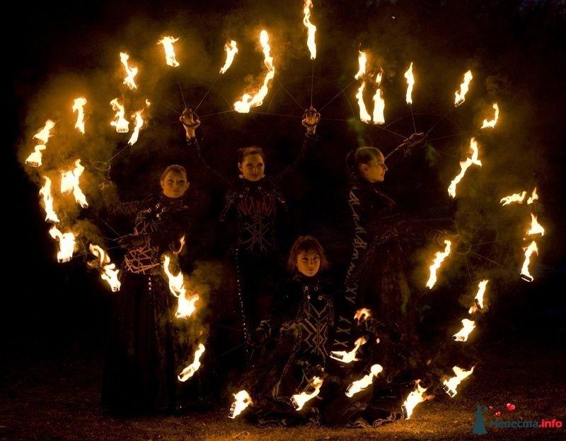 Свадебное огненное шоу - фото 124380 Световое и огненное шоу - Extravaganza show