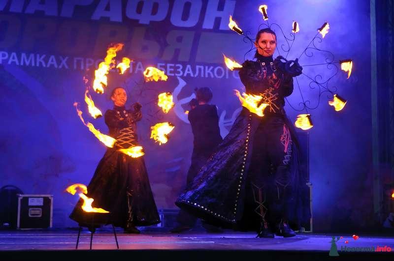 Свадебное огненное шоу - фото 124386 Световое и огненное шоу - Extravaganza show