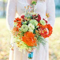 Букет невесты из астр и зелени