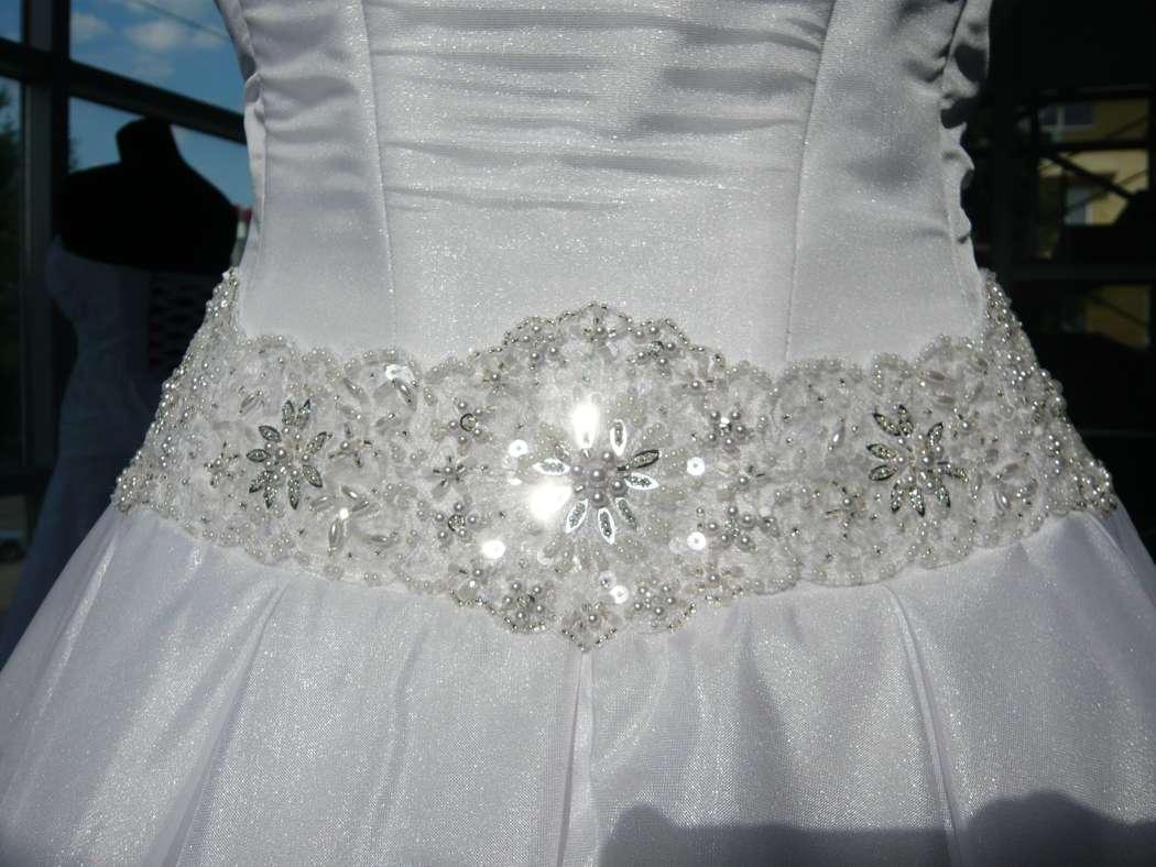 Вышивка для свадебного платья фото