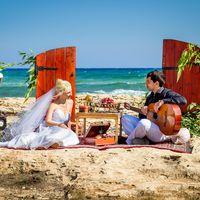 Свадебный фуршет в стиле Бохо на берегу Средиземного моря.