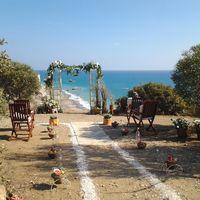 Выездная церемония на Кипре в стиле рустик.