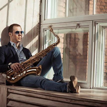 Выступление саксофониста Nik Prime