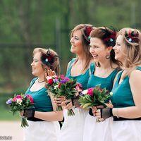 Веселые подружки невесты -сочетание зеленого белого и черного