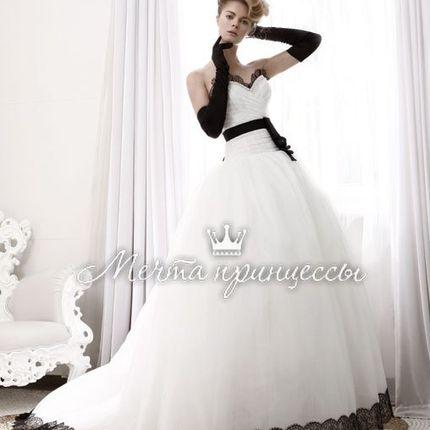Свадебное платье, черно-белое
