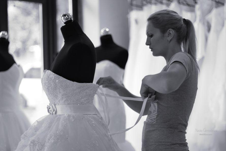 наряжаем манекенов - фото 1163929 Julian Fashion - салон свадебной и вечерней моды