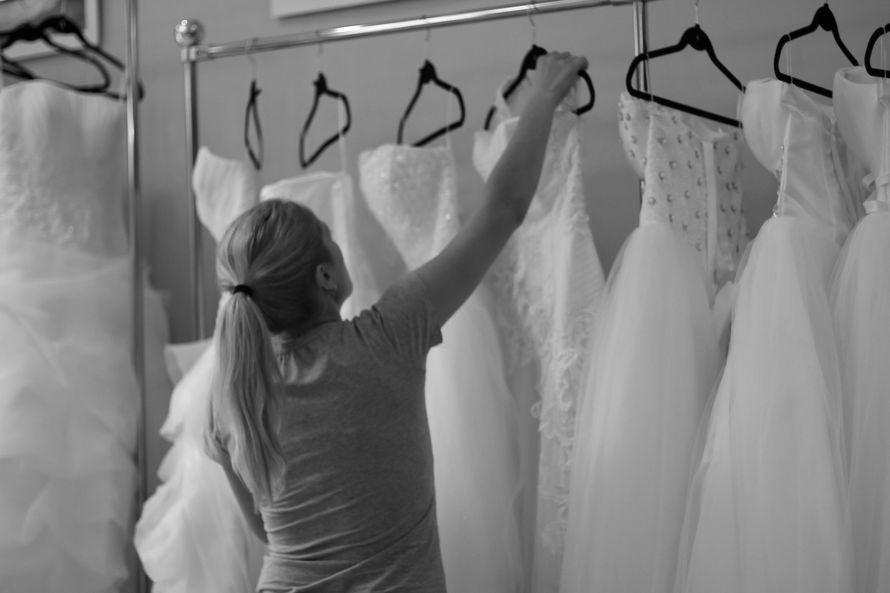 оформление витрины - фото 1163931 Julian Fashion - салон свадебной и вечерней моды