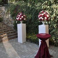Оформление выездной церемонии с живыми цветами