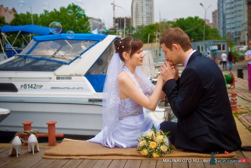 Свадебное фото на причале 7 футов во Владивостоке - фото 122146 malinafoto
