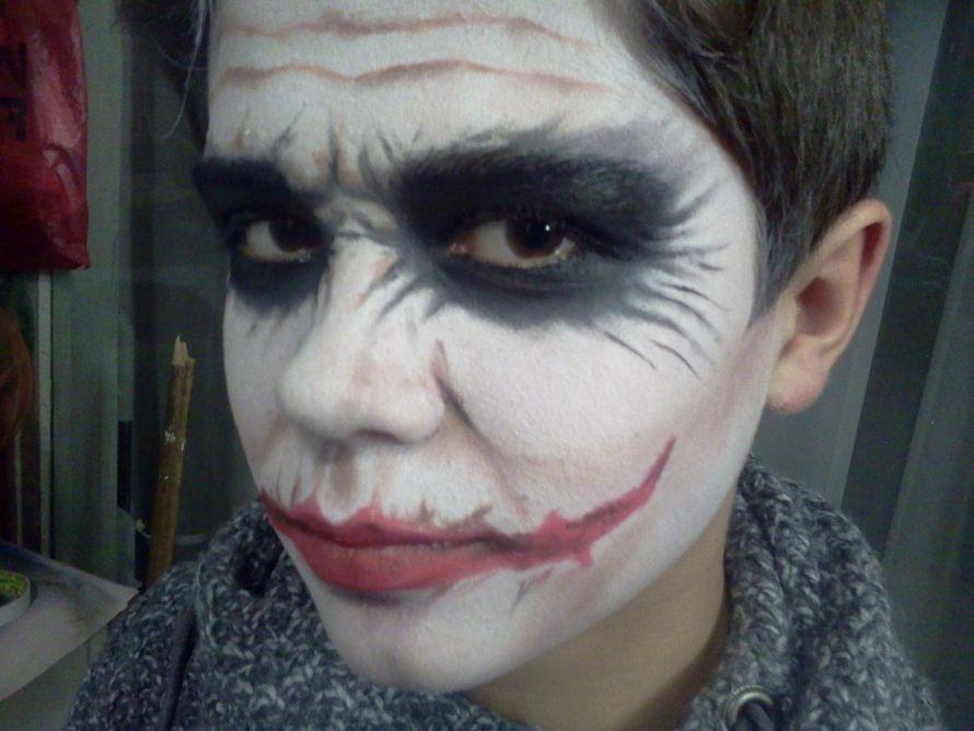 Как сделать макияж у джокера в домашних