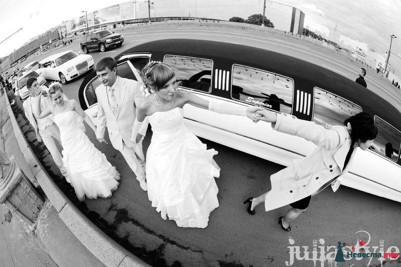 Первые Семейные Гонки на лимузинах в Москве  20 сентября 2009г. - фото 131865 Свадебный стилист Юлия Зайченко