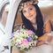 Образ невесты в венке и с букетом невесты из ромашек и астр. Прическа и макияж - Эль Стиль.
