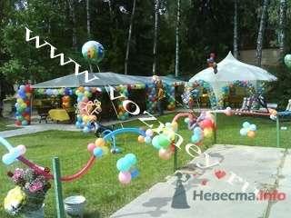 Оформление открытых площадок - фото 11315 Воздушный Змей - оформление шарами