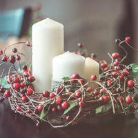венок и свечи