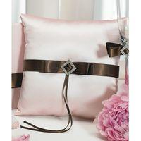 Розовая подушечка для колец с коричневым бантом