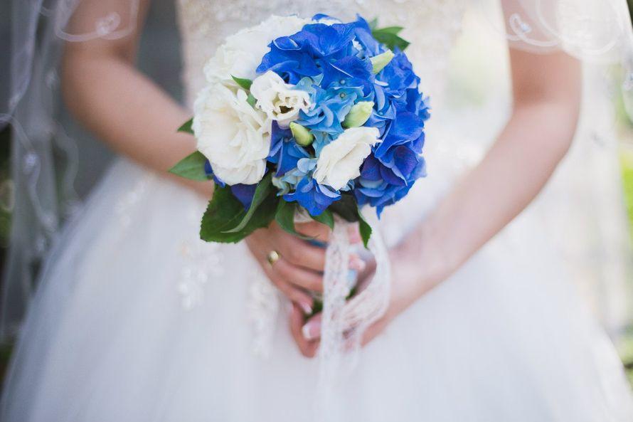 Свадебные букеты для невесты с синими цветами фото 2017