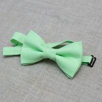 Галстук-бабочка детская светло-зеленого цвета.  Возможен повтор для взрослых - 790 р. Стоимость бабочки - 590р. Чтобы заказать пишите в л.с.  или по т. +7 950 038 54 26
