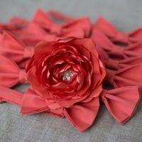 Комплект коралловых бабочек на свадьбу + цветок в волосы. Стоимость комплекта(10 шт+цветок) - 5990р.  Чтобы заказать пишите в л.с.  или по т. +7 950 038 54 26