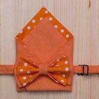 Яркий и веселый комплект оранжевого цвета в горошек: бабочка+платочек. Стоимость комплекта - 1190р.  Чтобы заказать пишите в л.с.  или по т. +7 950 038 54 26