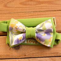 Галстук-бабочка с цветочным принтом и насыщенным зеленым цветом! ✂
