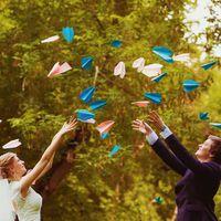Цветные бумажные самолетики для фотографий