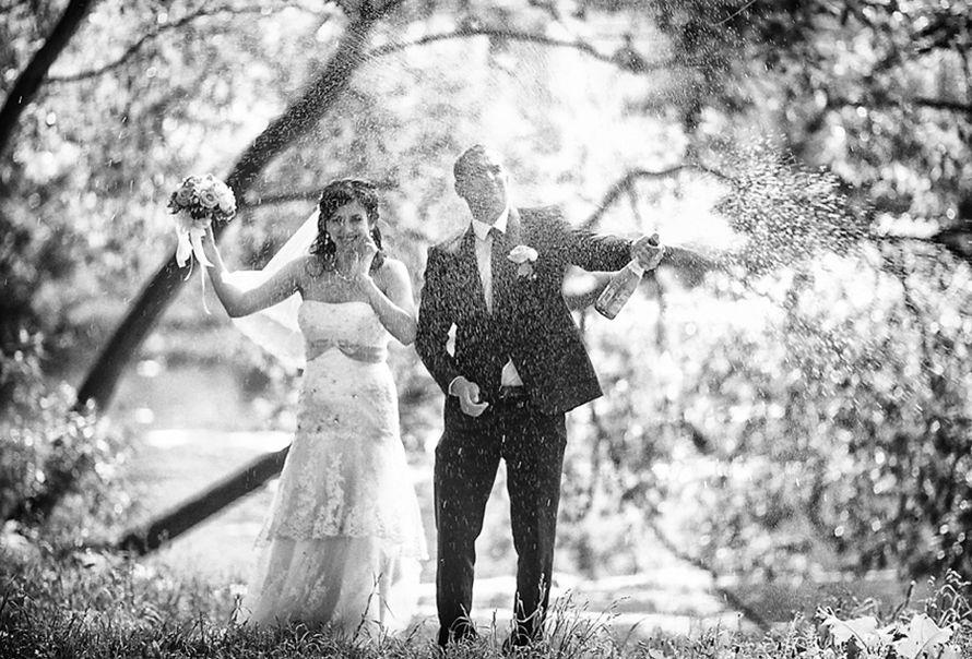 Тот примечательный день,когда шампанское льется как дождь, а дождь, как шампанское... фото: Анна Лемеш пара: Марина и Андрей - фото 2496809 Фотограф Анна Лемеш