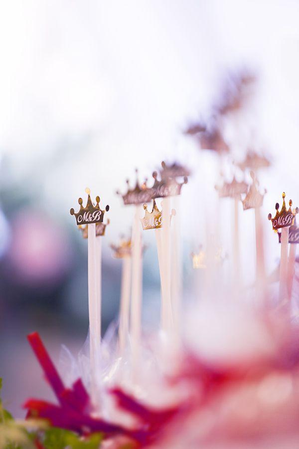 бонбоньерки, фамилия молодых Царевы, поэтому царские  кароны в декоре - фото 1563893 Организатор свадеб Глуш Ольга