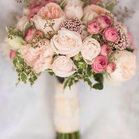 Свадебный букет из садовой розы, кустовой розы, озотамнуса, зелени . Цена 5500 руб. Справки по телефону +7(846)260-50-05 или 89033081063. Наш сайт