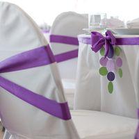 декор стульев фиолетовый