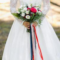 красный белый синий букет невесты