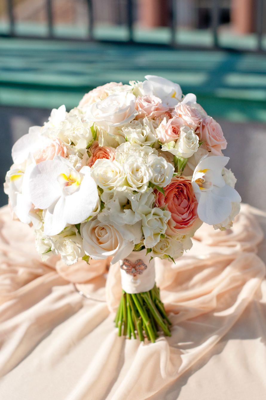 """Букет невесты с орхидеей фаленопсис - фото 16311444 Студия флористики и декора """"Глориоза"""""""