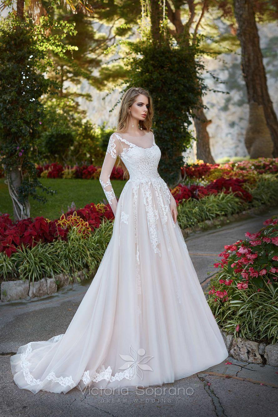 Victoria Soprano Rosalia - фото 13810376 Bondi blue - салон свадебных платьев