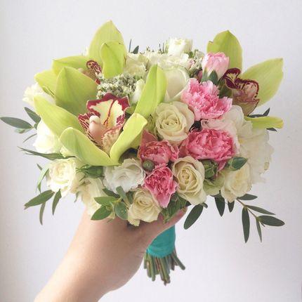 Букет невесты с благородными розами