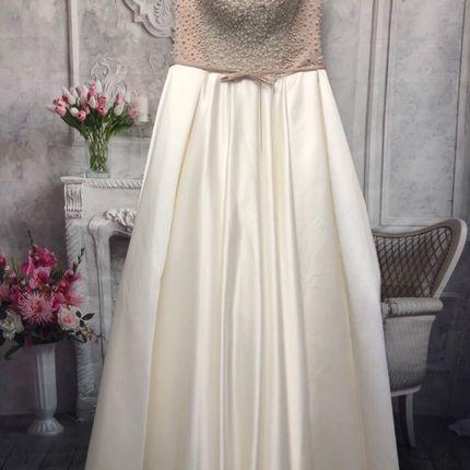 Свадебное платье со шлейфом А1405