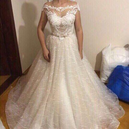 Свадебное платье со шлейфом А1423