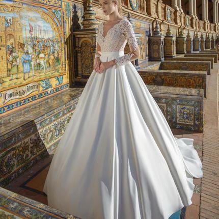Платье со шлейфом А1600