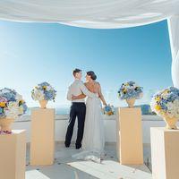 свадьба на санторини, санторини, свадьба за границей, любовь, счастье, свадьба, декор, невеста, свадебное платье