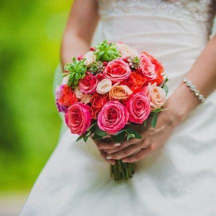 Букет невесты кораловый