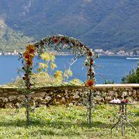 Обратил внимание, что многих интересует площадка в Перасте. Это именно то место, где большинство агентств проводят свадьбы.