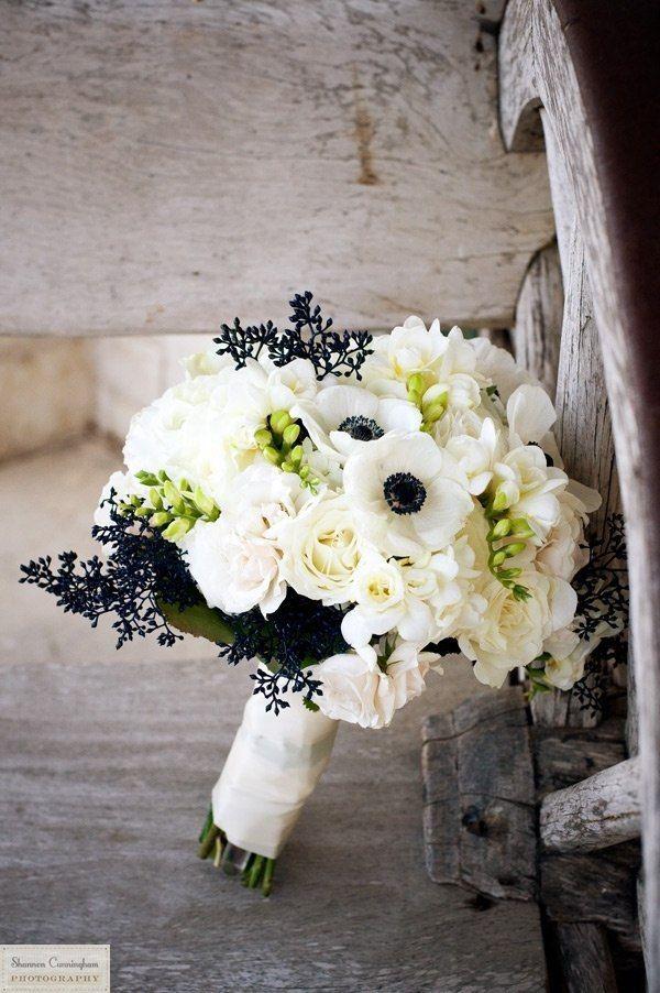 Цветов, свадебные букеты белый с черным