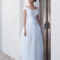 Bretagne: одна из самых современных форм платья – строгий корсет в сочетнии с необычной юбкой. Вам стоить примерить это платье, чтобы оценить его обаяние в текстурах ткани, качестве корсета и идеальной посадке. Ткани и материалы: сатин-микадо Цвет: плат