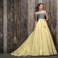 Dzintary Яркое платье для тех невест, кто готов отступить от свадебных стереотипов.  Это платье выделено в дизайнерскую линию I.N.SOUL