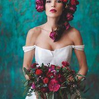 Яркие краски для шикарного образа невесты. Платье - Delfia/ ARTPODIUM. Флористика и декор - TRAVAFLOWERS. MUAH - Анастасия Логинова. Фото - Анастасия Горская