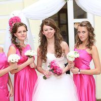 Подружки невесты в ярко-розовом