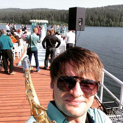 Выступление саксофониста на свадьбу