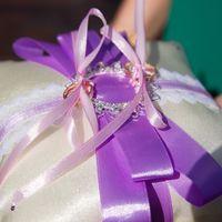 Подушечка для колец с сиренево-розовым декором