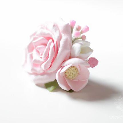 Заколка для волос с цветами