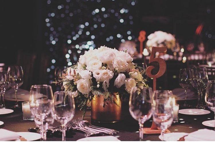 """Настольные композиции из цветов в белом цвете на корпоративном мероприятии компании Chanel от Мастерской декора и флористики """"Mi Amor"""" оформление свадьбы, оформление ресторана - фото 13038834 Мастерская декора и флористики """"Mi Amor"""""""