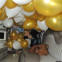 сюрприз для молодых -  100 гелиевых шаров на запуск при встрече молодожёнов  из загса. (пол часа работы в шикарнейшем лимузине))).... ох, люблю свою работу)